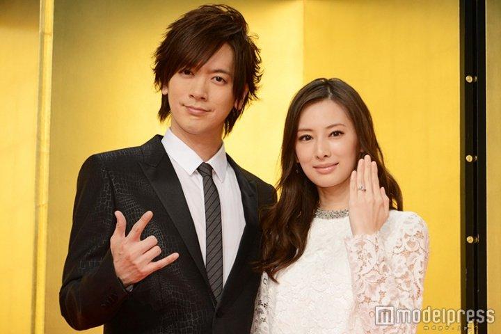 北川景子&DAIGOが結婚会見 プロポーズの言葉は「KSK」 #北川景子 #DAIGO #結婚 @Daigo19780408  https://t.co/lLuHnNHUos https://t.co/GOMcUGK305