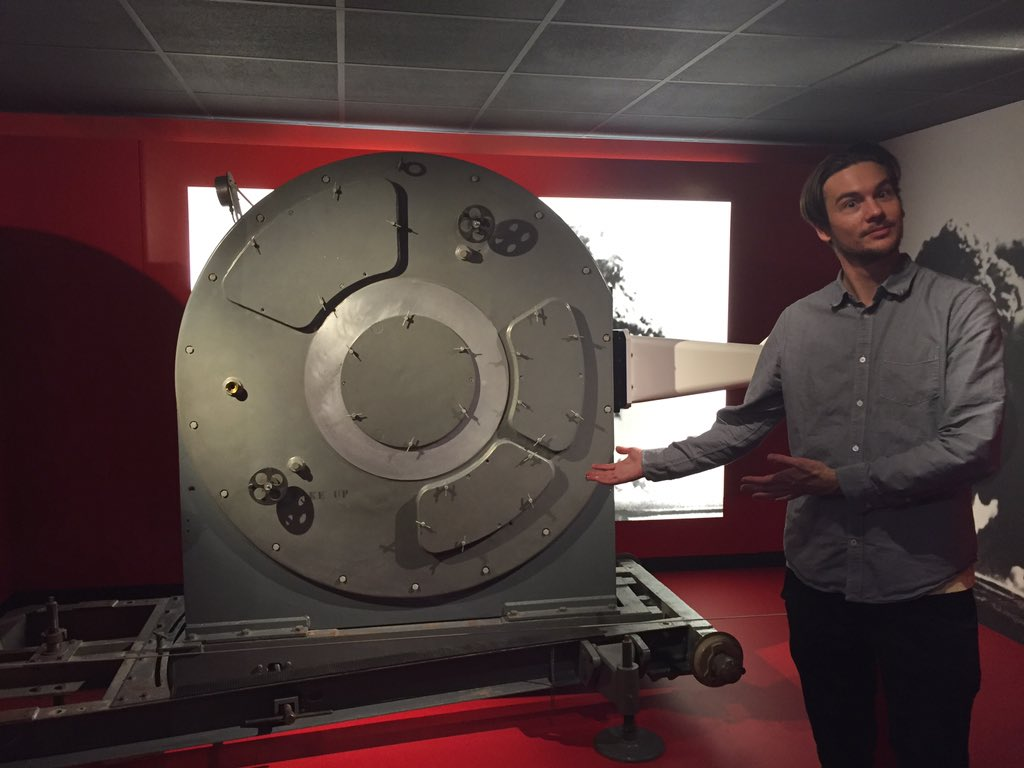 This is the size of a 1950s high speed camera! (Having some time out the @sciencemuseum ) https://t.co/TPvBRPJDVa