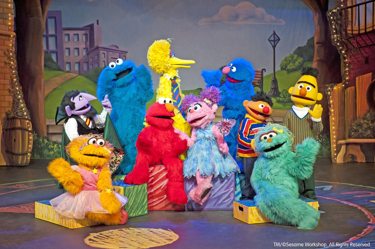 We're giving away 3 family 4-packs to Sesame Street live! Retweet this tweet to be entered to win! https://t.co/WFj2Ff5mxU