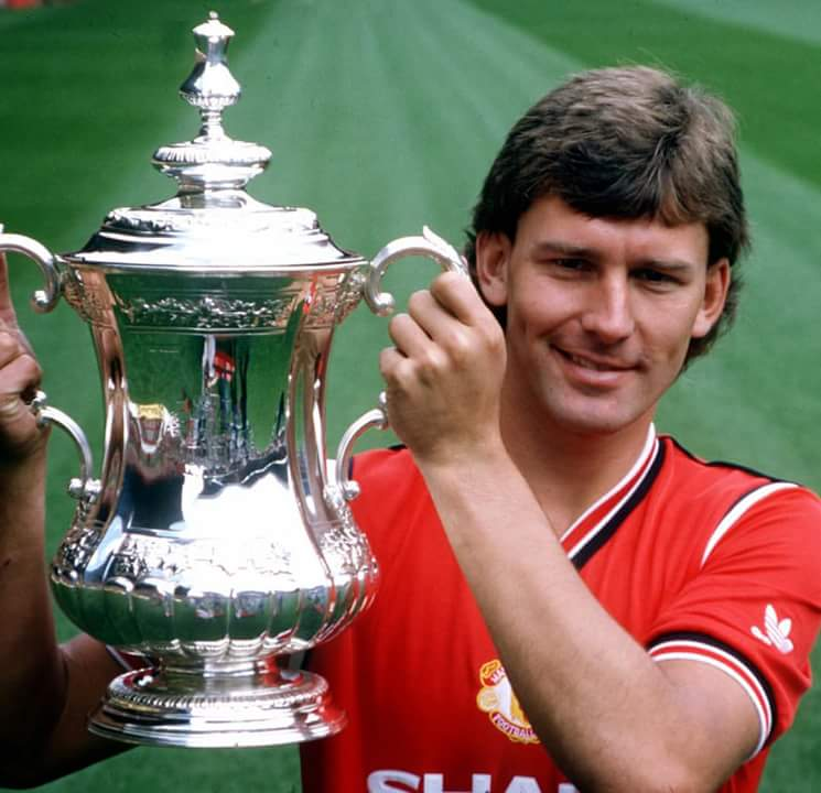 happy birthday  to Bryan Robson