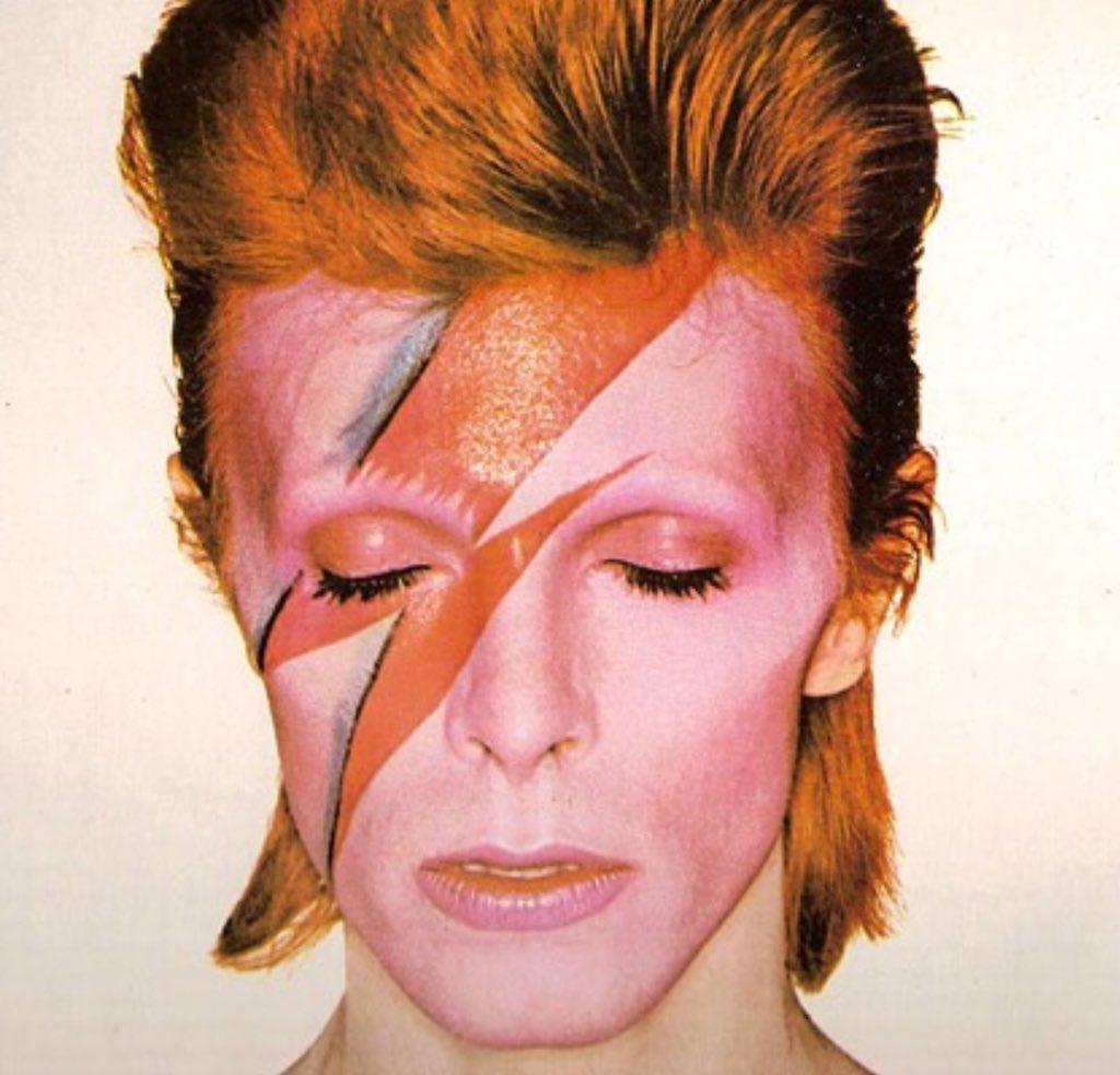 A legend... An icon... Sound and vision. RIP David Bowie #RIPDavidBowie #ZiggyStardust #legend #icon https://t.co/S4v5jzjMVD