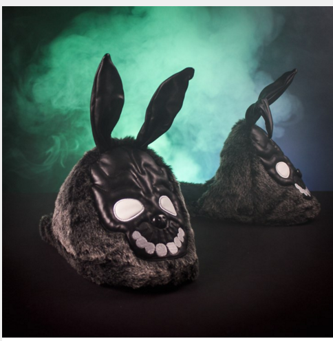 Fans of @JRichardKelly #donniedarko will love these Frank slippers from @firebox https://t.co/5PMJrZ5sd8 https://t.co/IGxdDdDqwd
