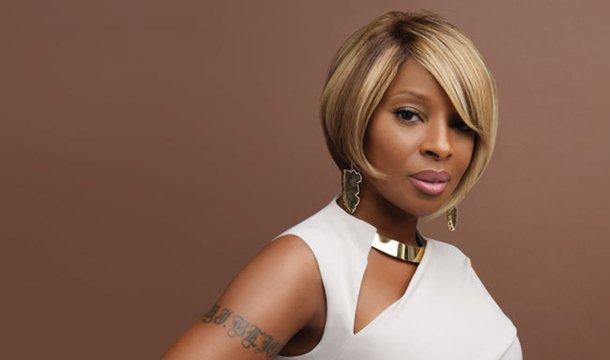 Happy Birthday to the stylish, Mary J. Blige!