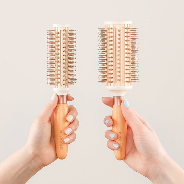 #GIVEAWAY! Win our brand #new Large & Small Expert Thermal Styler hair brushes! Enter here: https://t.co/y0sAcBNlln https://t.co/zJCyiR4I9k
