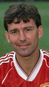 Happy Birthday to Bryan Robson, an MUFC legend. He turns 59 today!