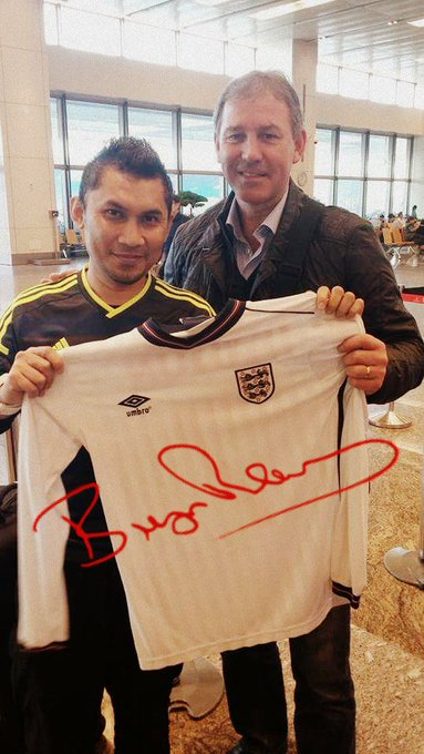 Happy 59th Birthday to my Idol Bryan Robson. Stay healthy and success in life.. till meet again!