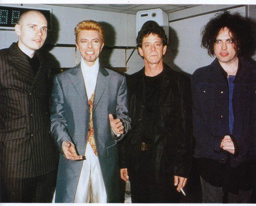 RIP David Bowie: 'When a true star blinks out, the sky looks different, and never feels the same' - Billy Corgan https://t.co/paqn7iQfJM