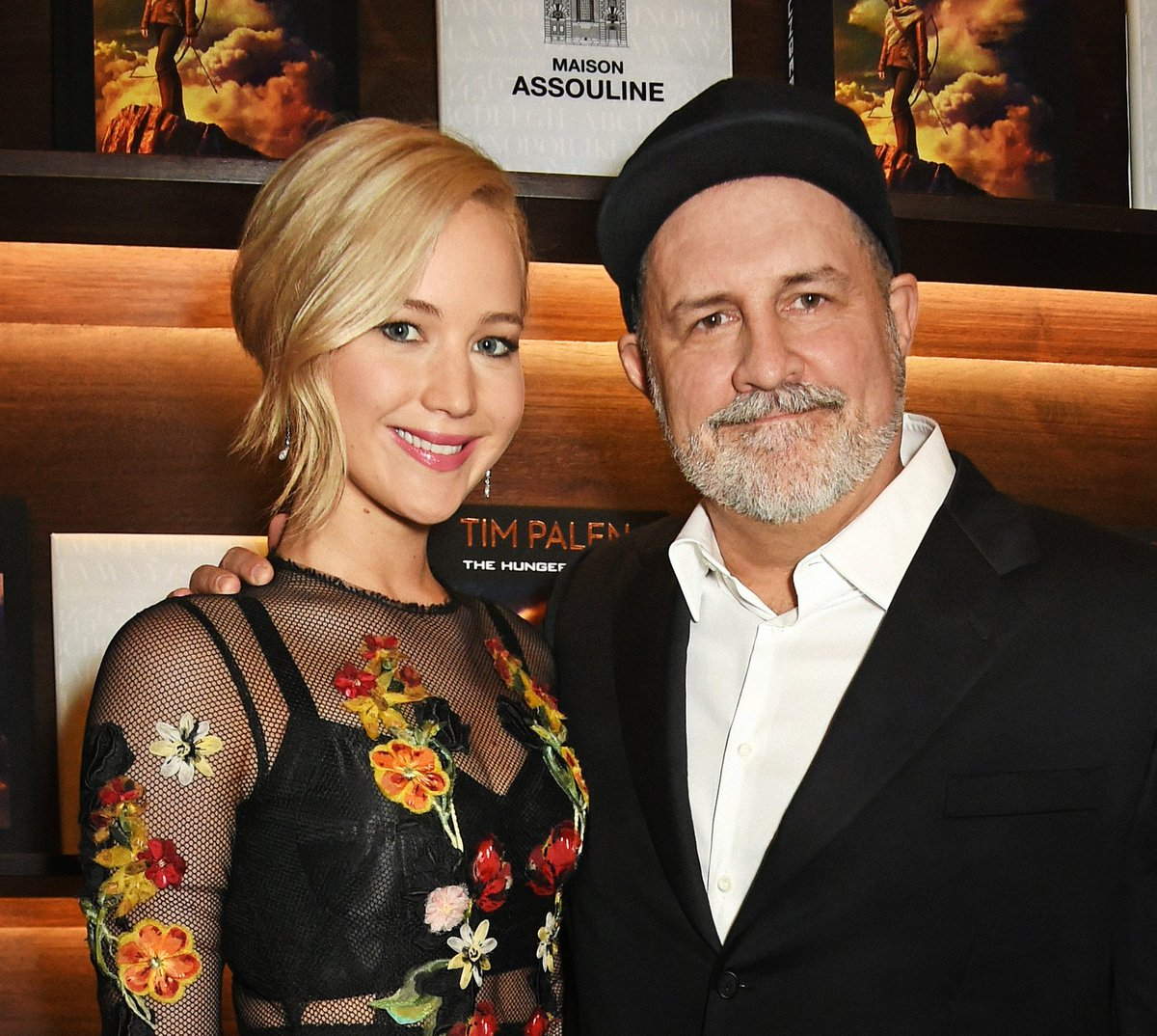 Congratulations to #JenniferLawrence on her #GoldenGlobes win! You are still the girl on fire! #Assouline https://t.co/BmwPWkaA6C
