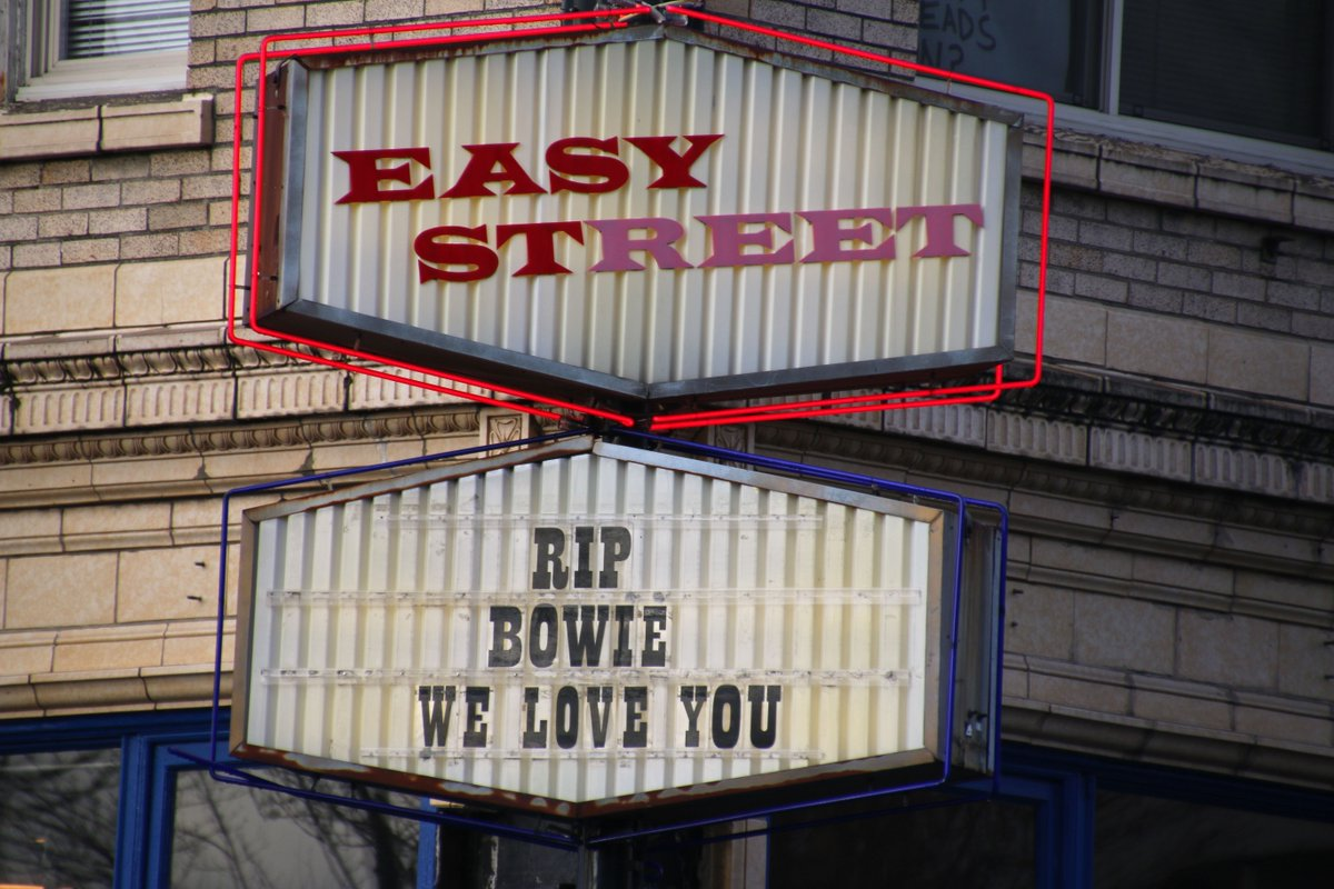 And now the @easystrecords marquee too. https://t.co/4Us5GyHttC https://t.co/ZWJbOm59jm