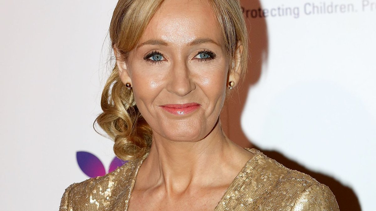 About That Time J.K. Rowling Vandalized A Hotel Room — 'It's Wrong'