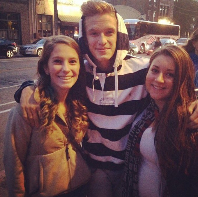 Happy birthday also throwback to my Cody Simpson phase when I met him twice in one week