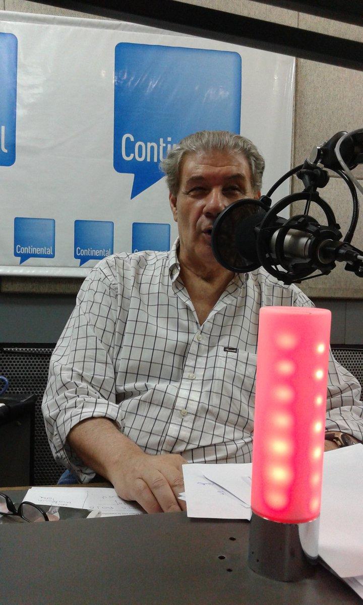 A esta hora debería comenzar 'La mañana' con @vh590. Luego de 30 años en @Continental_ lo silenciaron. #MacriCensura https://t.co/aLyWrAsbJA