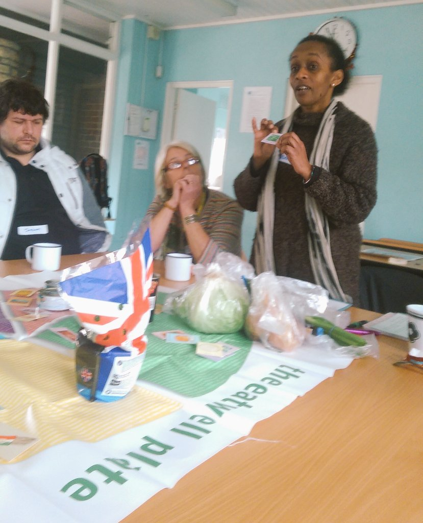 Free community 5 week cookery course started today thanks @Royal_Greenwich expertly led by @GCDA_UK #Abbeywood #food https://t.co/bhP6iNXuDc