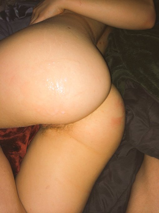 I got a delicious hot breakfast and thoroughly fucked this morning☺️ #spoiled #goodgirl #blessed #pov