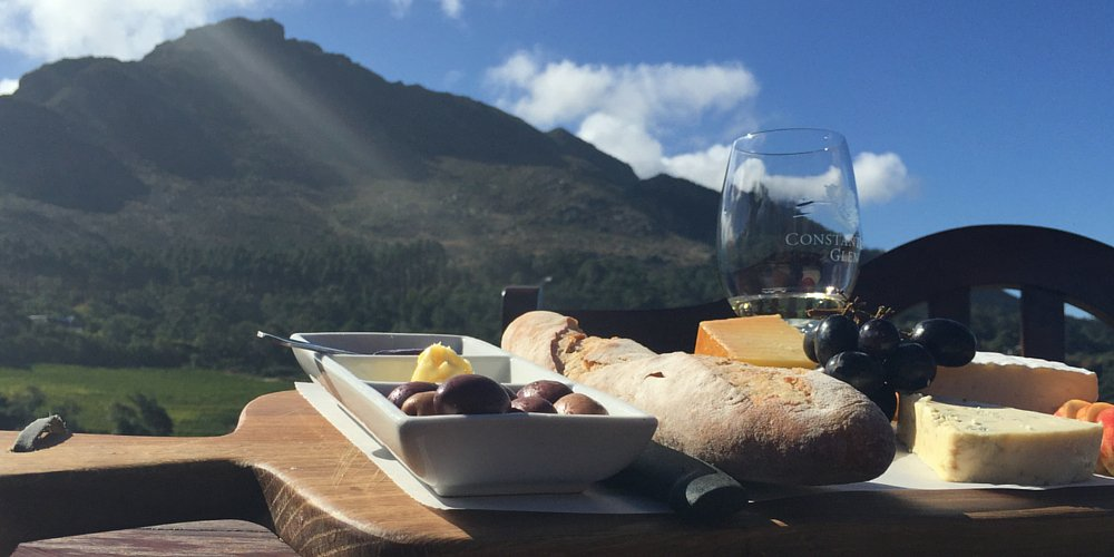 Discover Cape Town's breathtaking views, famous wine and other sights via @daily_express »