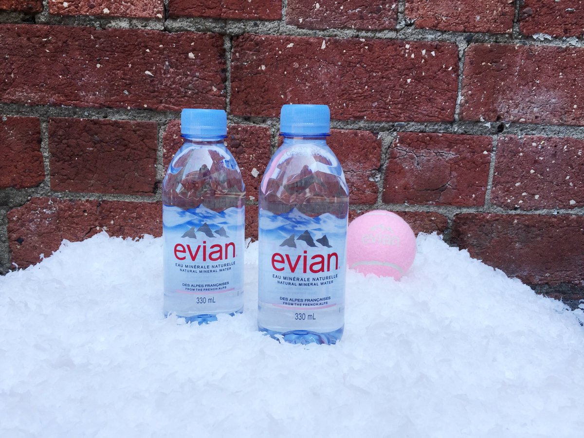 Rooftop tennis to launch the new @evianwater bottle in Australia. I heard there's snow? #FrenchAlpsPurity #AusOpen https://t.co/imtcHA9VTT
