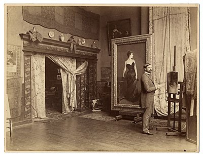 John Singer Sargent in his Paris studio with the painting Madame X (now at @MetMuseum), 1884. https://t.co/FL8bZX56wx