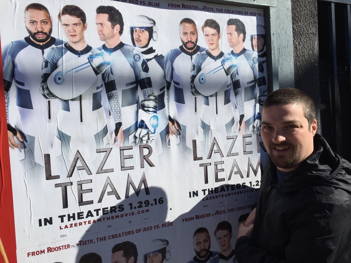 Hey @MattHullum @burnie @gavinfree @RoosterTeeth Look what I found in Los Angeles on Sunset Blvd. #LazerTeam https://t.co/5uS03V9s0W