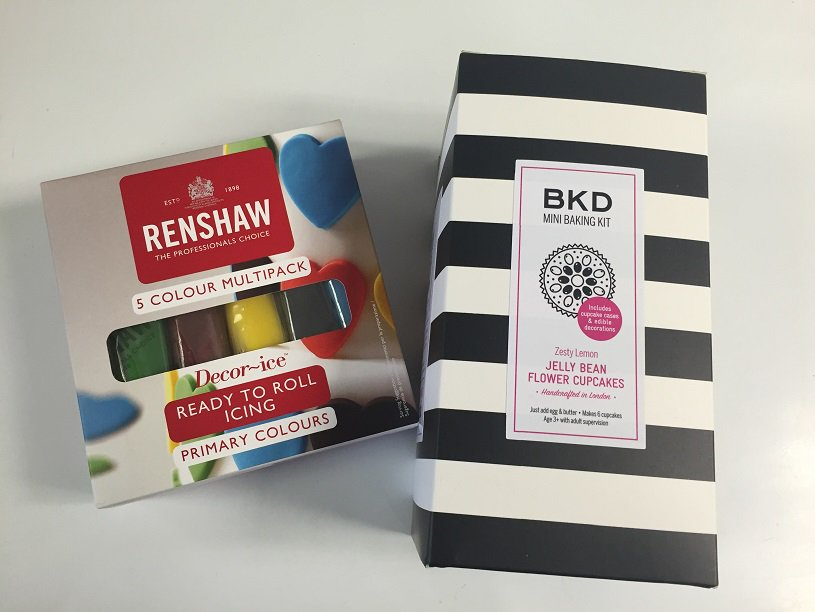 #WinItWednesday Flw & RT by 4pm for a chance to win a Primary Colour Icing pack & BKD Mini Baking Kit. UK only https://t.co/YIVuCvo5qI