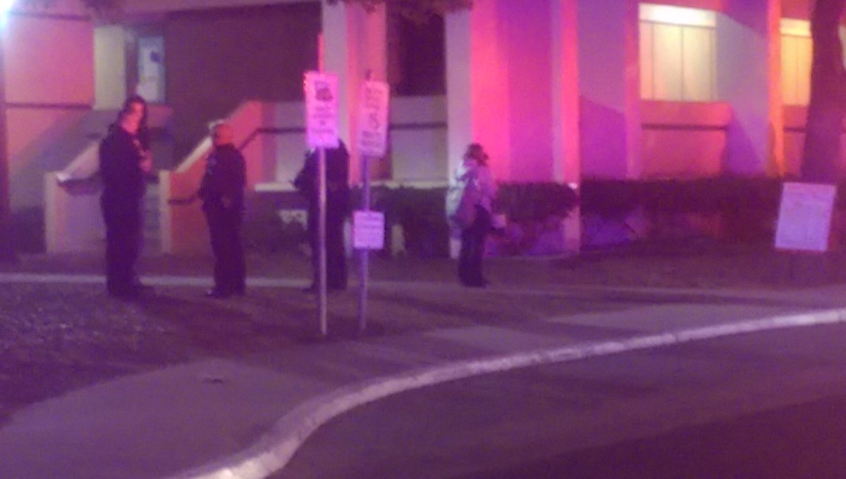 BREAKING: Fresno police are investigating a shooting at Fresno City College. Gunshots reported about 9:50 p.m. https://t.co/ZJzDu5QesT