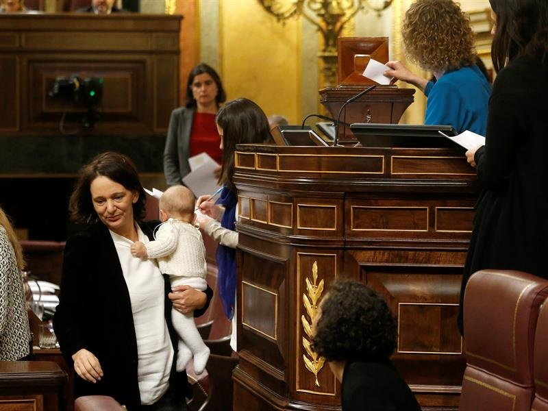 Un diputado anónimo vota al 'niño de Bescansa' para la presidencia del Congreso  https://t.co/azkCVgKWN4 https://t.co/Krhmsa3sBJ