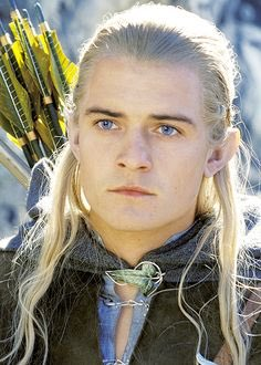 Happy birthday to my first ever man crush and Fangirl obsession Orlando Bloom!