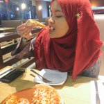 foods can make someone so happy 🍕🍕🍕🍕🍕🍕 https://t.co/pAQhWjW0pp