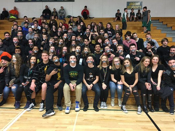 Kudos to @AshwaubenonHS students for their @wiaawi protest (wearing black with duct tape)! Nice job, kids! https://t.co/QqIIqumFsv