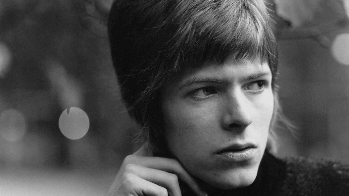 4 straight hours of music celebrating the genius of #DavidBowie this Sat. at noon on UndergroundGarage @SIRIUSXM 21 https://t.co/8SCP0j5vMS