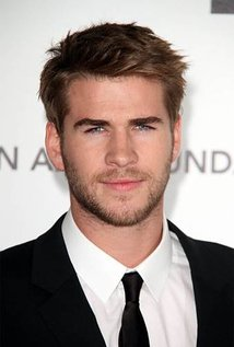 Happy Birthday to Liam Hemsworth (26)