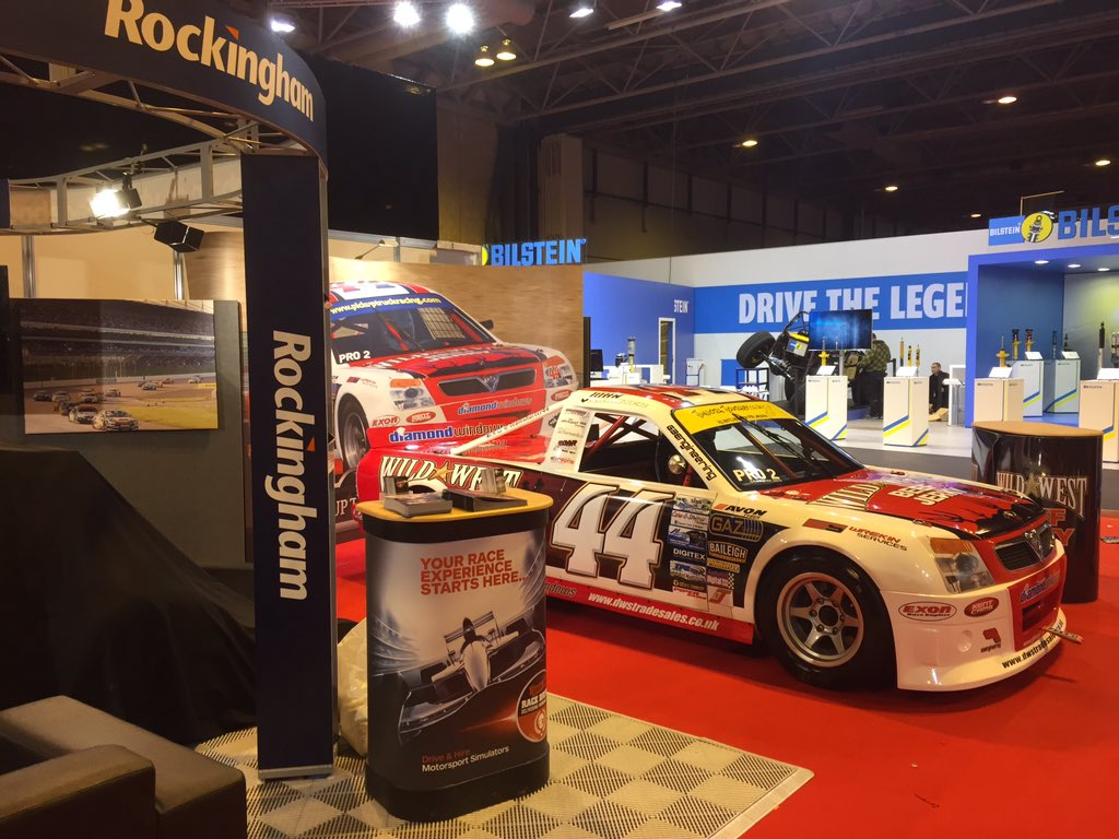 The final car is in place on the @RockinghamUK @PickupRacing @Autosport_Show stand. See you all tomorrow! https://t.co/FerBO8bJs8
