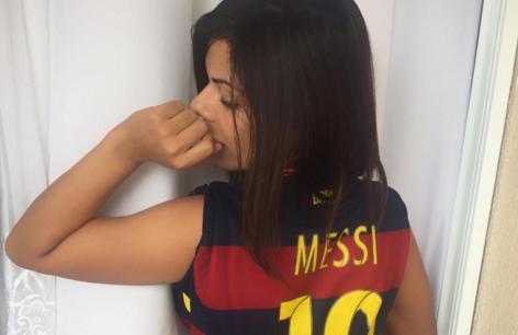 RT @LaOpinionLA: Miss Bumbum festeja el Balón de Oro de Messi con candentes fotos en Instagram https://t.co/cHkHEG79yk https://t.co/XHBnTXt…