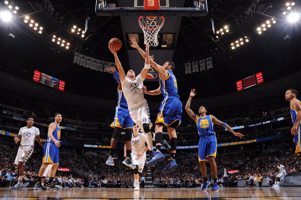 WHAT. A. WIN!!!  Warriors 110 - #Nuggets 112. https://t.co/kJPrCfR8h7