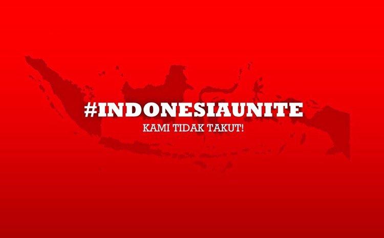 #indonesiabersatu #indonesiaunite #kamitidaktakut #wearenotafraid AYO INDONESIA!!!! https://t.co/CtjD0ZnGD3