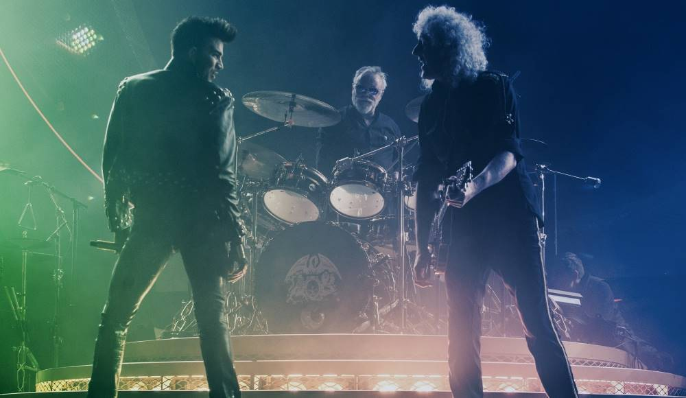 Congratulations to @QueenWillRock and @adamlambert for winning the 2015 @SSE Live Awards. https://t.co/7X1yPmCBrX https://t.co/TyVmipt67i