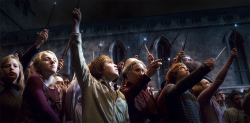 Wands up for one of the world's greatest actors #RIPAlanRickman https://t.co/dUAW2cqrnW
