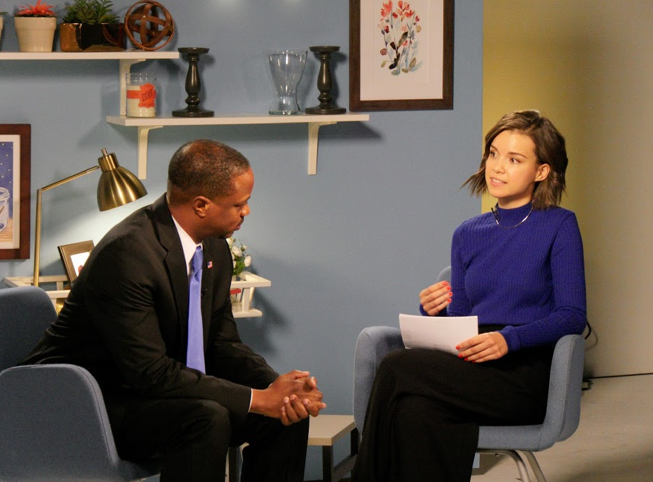 .@ingridnilsen practicing her questions for tomorrow's #YouTubeAsksObama interview! https://t.co/UW8TrEXFZq