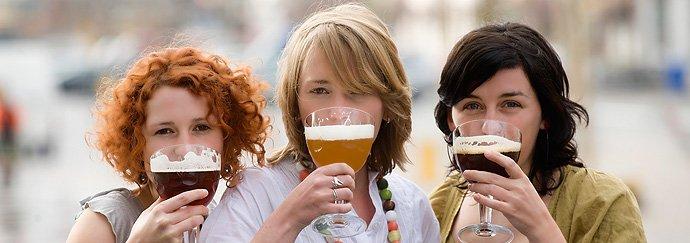 Voor mijn eindwerk ben ik op zoek naar vrouwen die bier brouwen. Ken jij iemand?  (Retweet = gratis pintjes) https://t.co/YoG1AoElaR