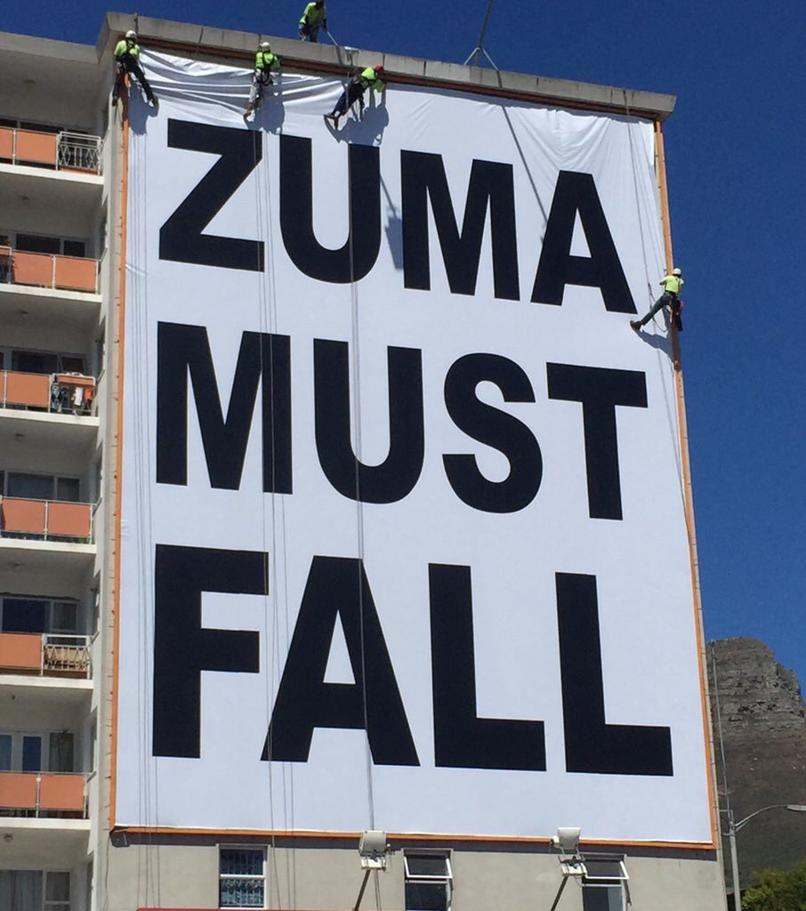 This banner space costs R250,000 a month. Two things:  Who paid for it? Do the guys putting it up even agree? https://t.co/JYOj7D2Eno