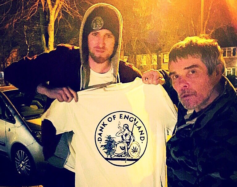 The legend @ianbrowncouk came down from Manchester to grab his #DankOfEngland pack . https://t.co/oSfu69n2uN