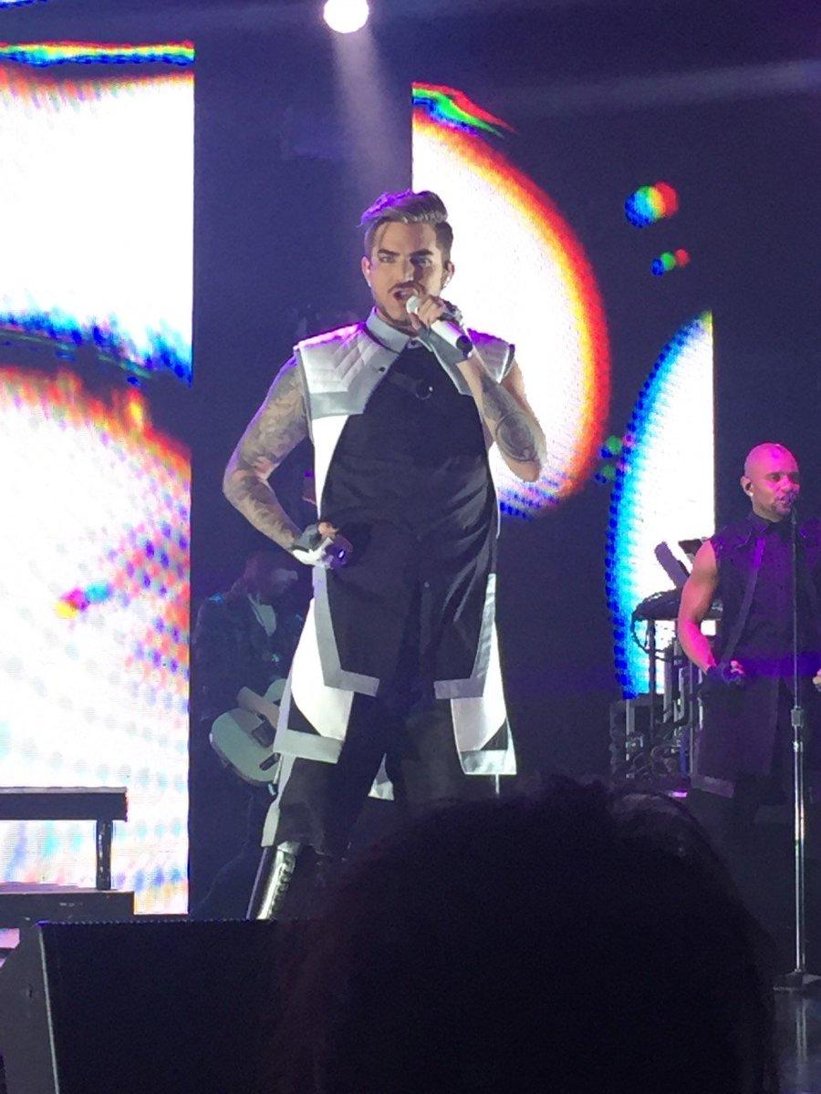 アメリカンアイドルの前夜祭(笑)、アダム・ランバートのライブは、来日の度にグレードアップしてるけど、今回は比じゃなかった!!ほんまエンターテナーだわぁ~