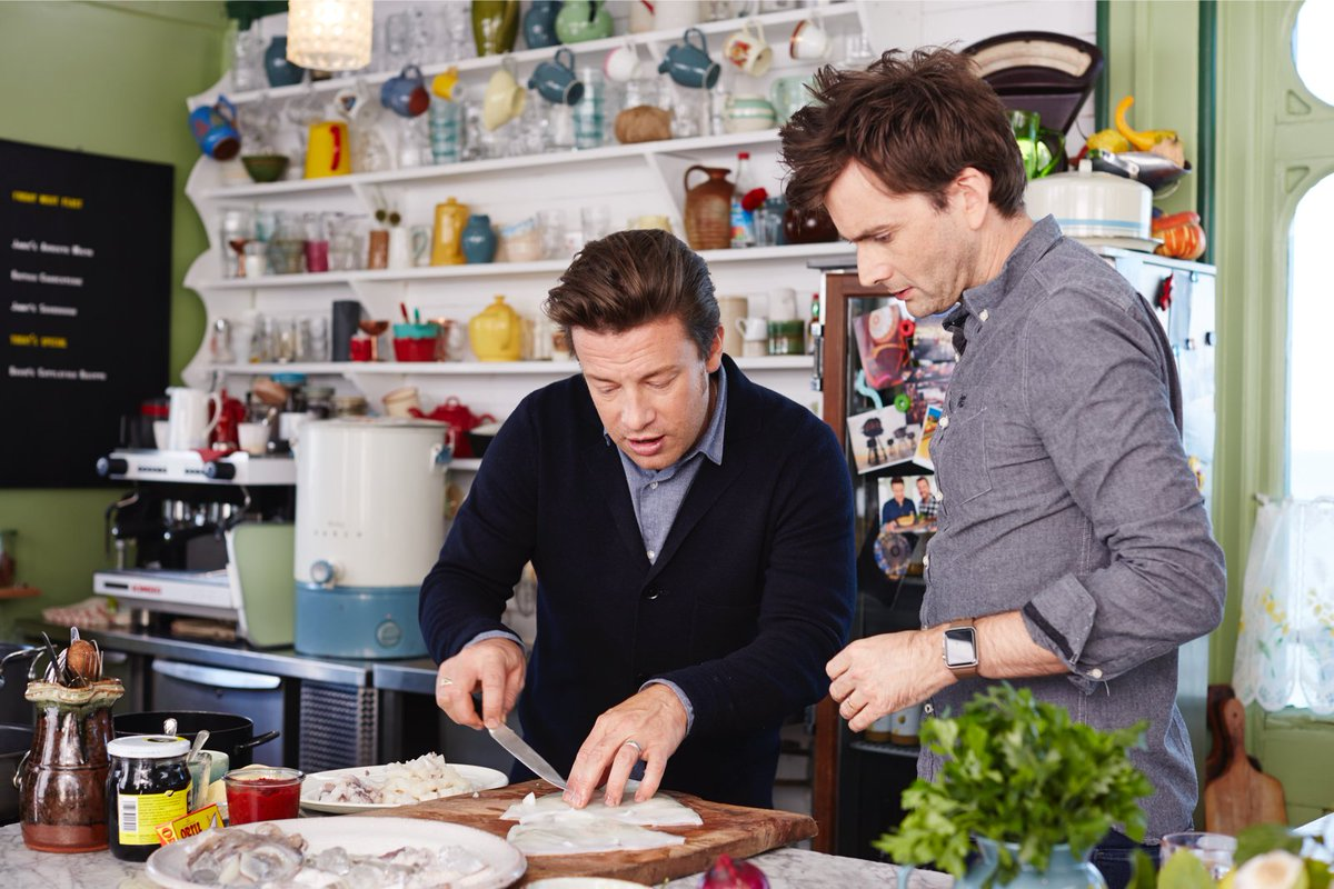 The brilliant David Tennant joins me and @jimmysfarm on #FridayNightFeast TONIGHT! @Channel4 8pm https://t.co/g8HigrZAag