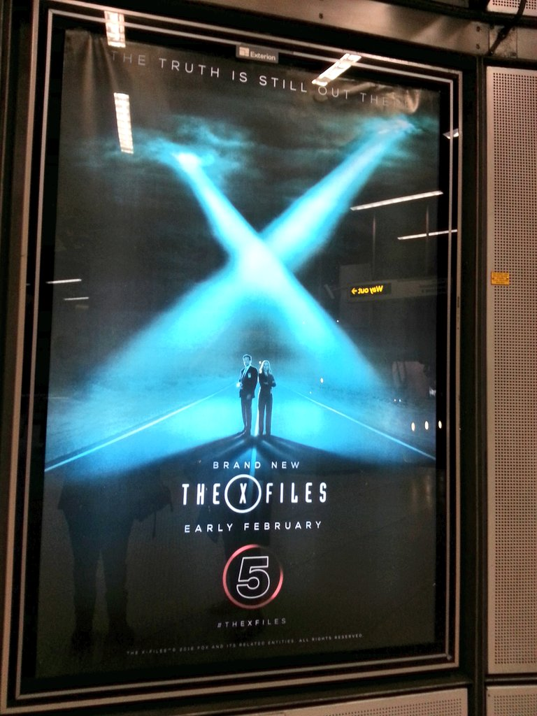 Look what I found in Westminster station @GillianA @davidduchovny @thexfiles https://t.co/F848JEvuMr