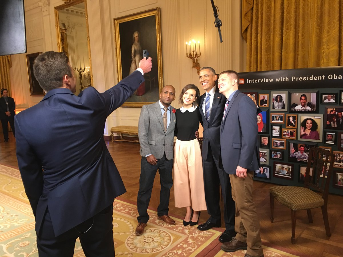 It was an honor to take the first-ever 360 photo of @POTUS today.  https://t.co/cIXDfcGZrf #YouTubeAsksObama https://t.co/mcwFPXWYiF