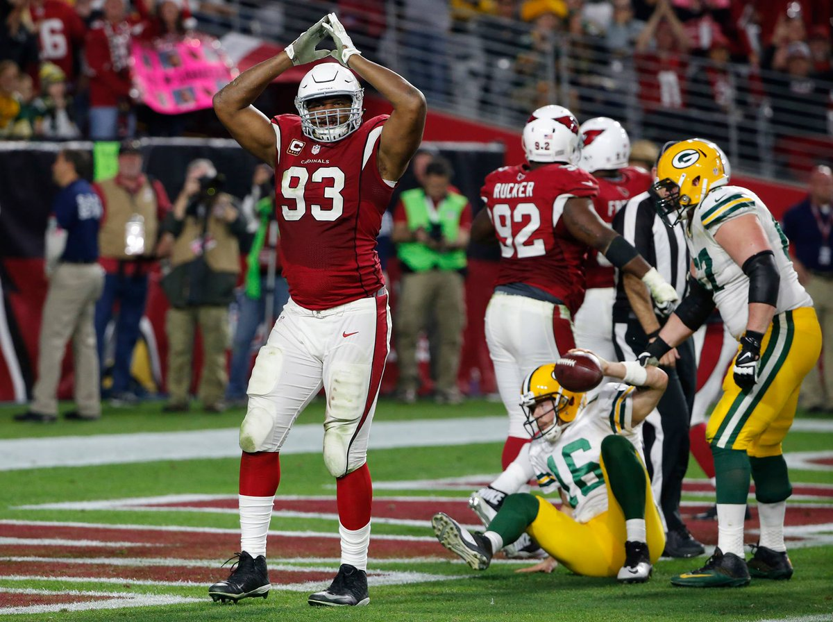 Retweet this to be entered to win a pair of #GBvsAZ tickets. Winner will be picked at 4:30 pm. #BeRedSeeRed https://t.co/lptie9dr4L