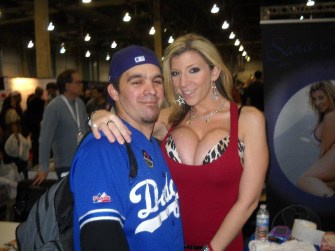 """@invisibleman112: #ThrowbackFriday Meeting @SaraJayXXX for the first Time @AEexpo 2010! https://t.co/belZJJf3fg"""