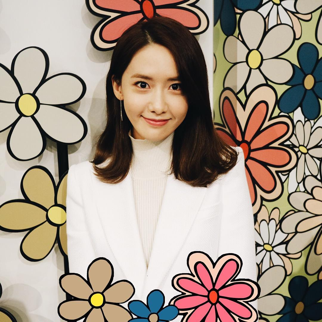 SNSD Yoona at 'Roger Vivier' Pop Up Store by wkorea https://t.co/nuUeZQjy9Y