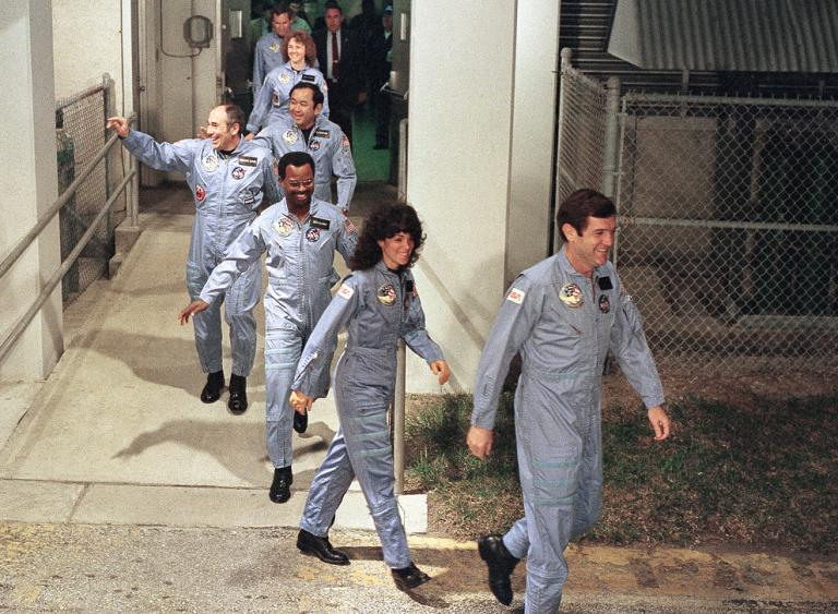 #NOW (11:38 am EST) in 1986, STS-51L #Challenger launches; destroyed 73 seconds into flight https://t.co/RF8qyZkJhV https://t.co/S9IdBo35UJ