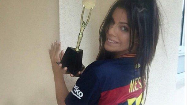 RT @atvpe: No te puedes perder el sensual 'body painting' que realizó #MissBumBum en honor a #Messi ► https://t.co/6iO1txAZZb https://t.co/…