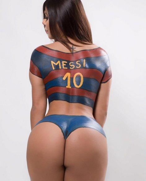 RT @PlayboyMX: Así desmuestra @suzycortez_ que es la seguidora número 1 de #Messi https://t.co/DiFrIAJWov https://t.co/PevHvzpoux